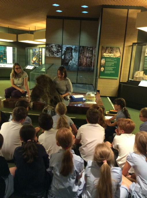 Seeing real Stone Age Artefacts