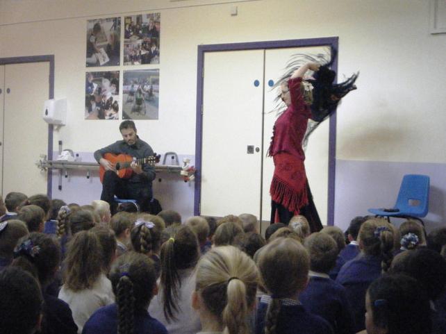 Monday's flamenco assembly was fantástico!