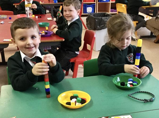 Making number 1 with cubes