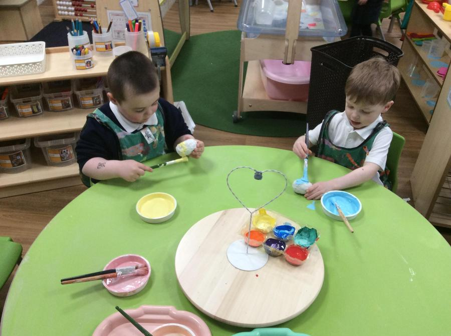 Chase and Spencer used 'pastel' colours to paint their eggs.