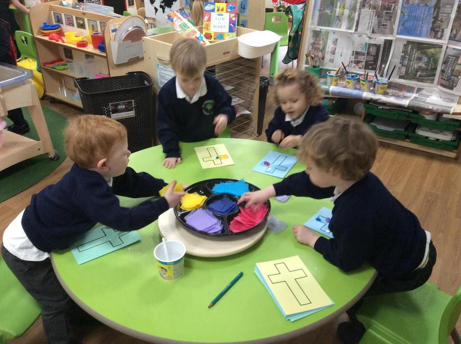 Rowan, Harry, Bella and Ethan chose which coloured tissue paper they wanted.