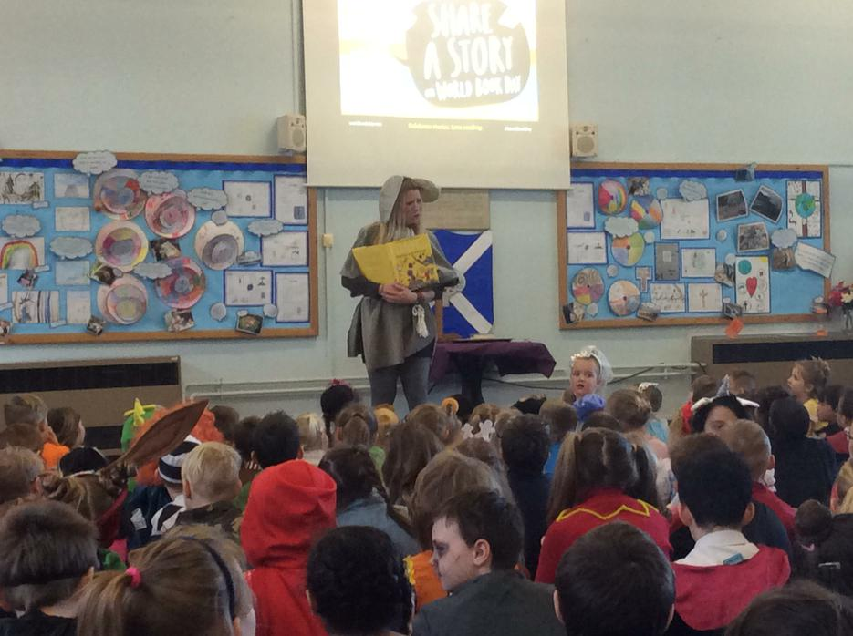 Oona from Running Wild reading The Twits!