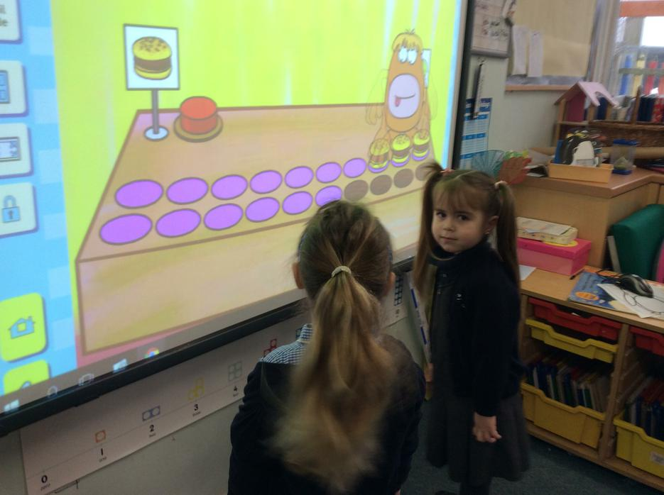 Recognising numbers and counting objects to 20