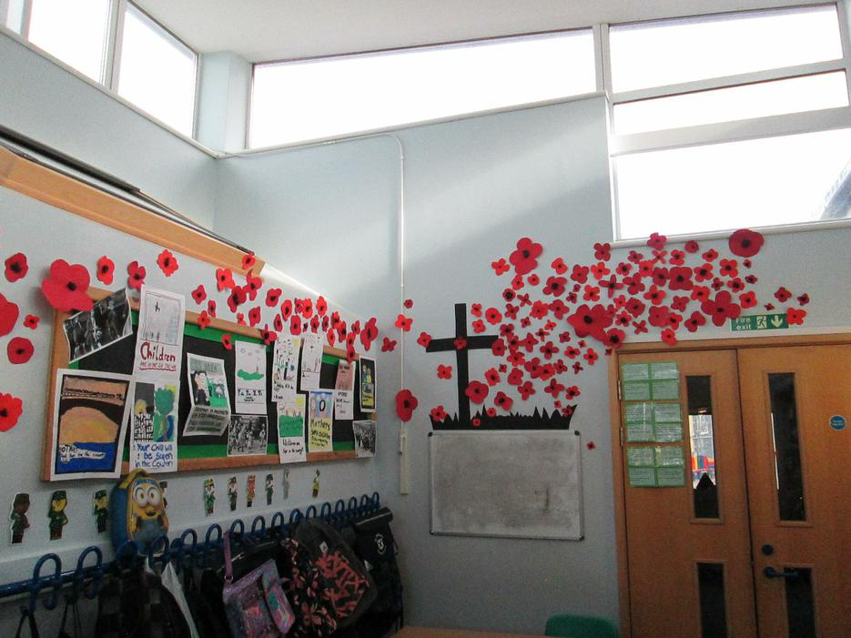A beautiful poppy display by Year 6