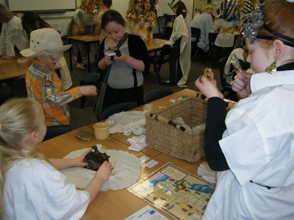 Discovering artefacts