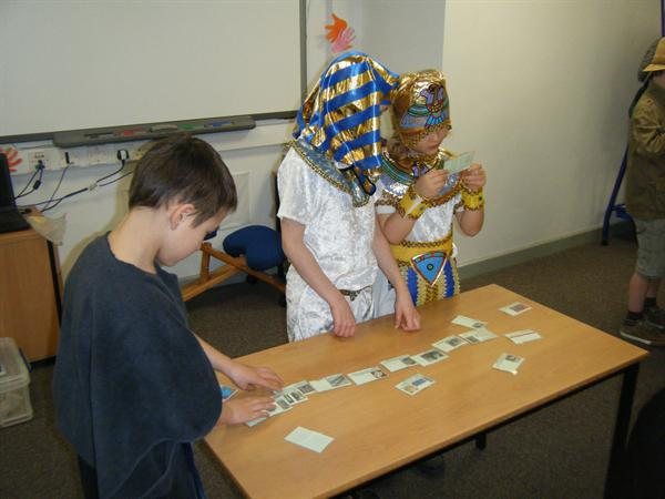 Sequencing a mummification