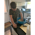 Making apple crumble