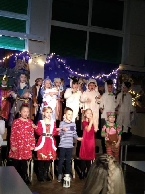 Nativity Christmas Singing