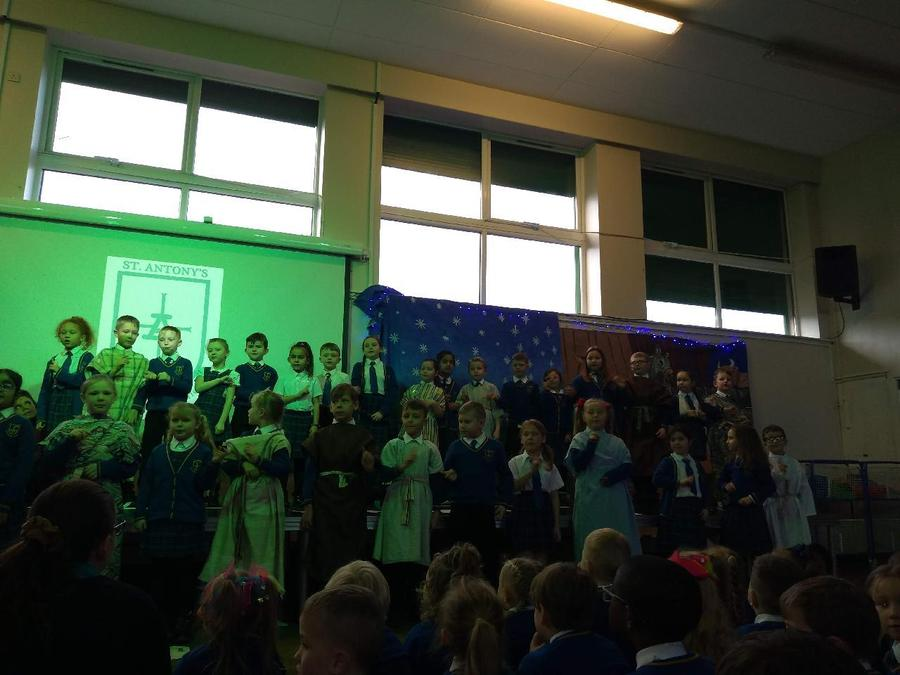 KS1 Nativity singing