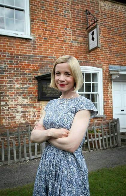 Lucy Worsley, OBE