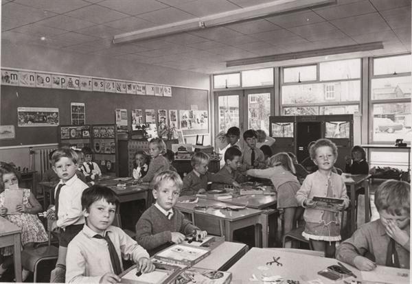 A Y1 classroom in 1970
