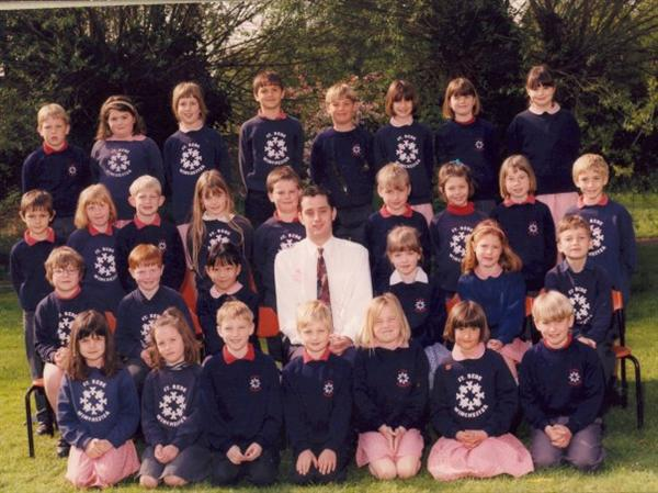 Class Photo Showing the Old Style Sweatshirt