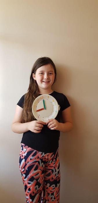 Zuzanna and the clock she made