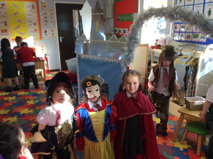 Snow White, Little Red Riding Hood & the Queen