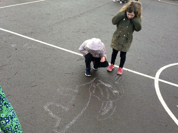 A super chalk show hare