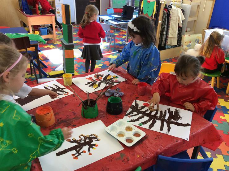 Finger Painting our Autumn Leaves.