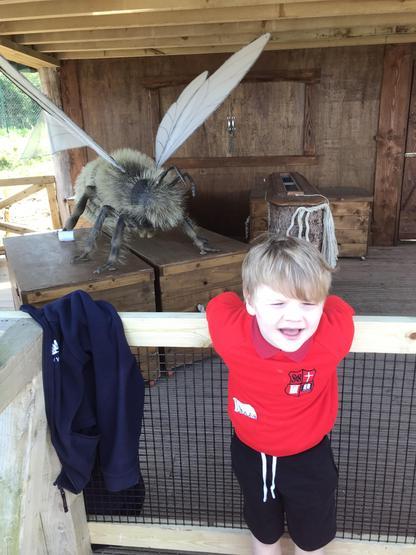 AAAAAAAAHHHHH! A giant bee!