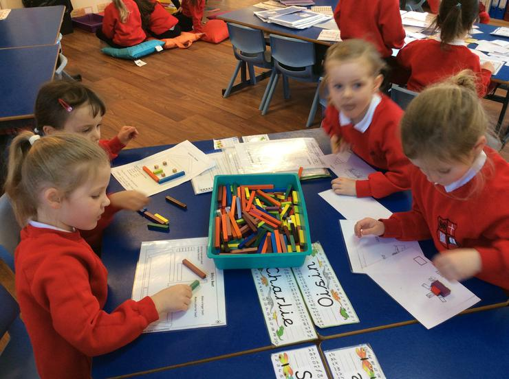 Using long and short rods to make pictures