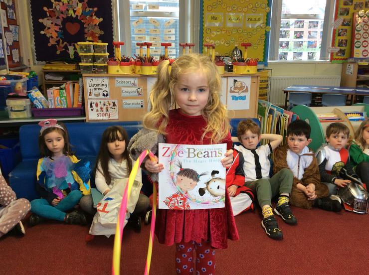Zoe and the magic hoop