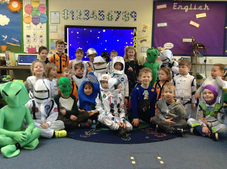 Year 1a Dressed as Space People!