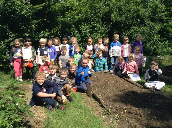 Year 1a Gardeners!