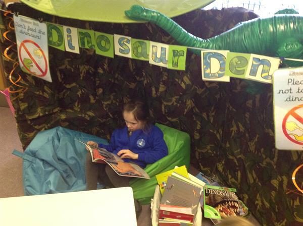 Reading in our Dinosaur Den!