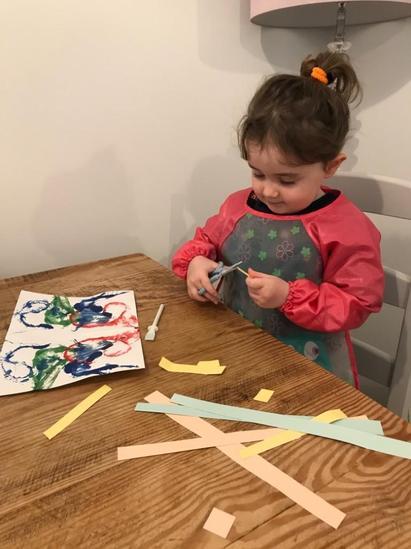 April making her sting print calendar with mosaic border
