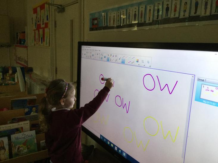 Phase 3 vowel phoneme 'ow'