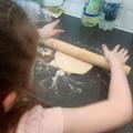 Abigail make pizza
