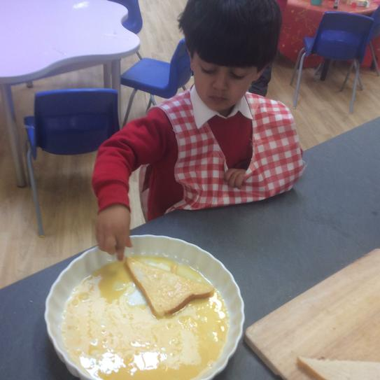 Making a healthy snack - eggy bread!