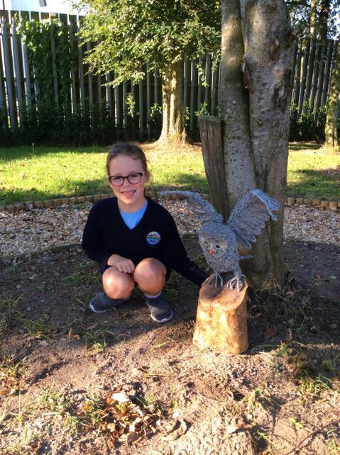 """Ellie's mum created an """"Owl"""" sculpture"""