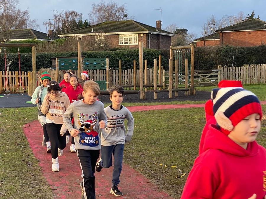 Christmas Fun Run in aid of Alexander Devine