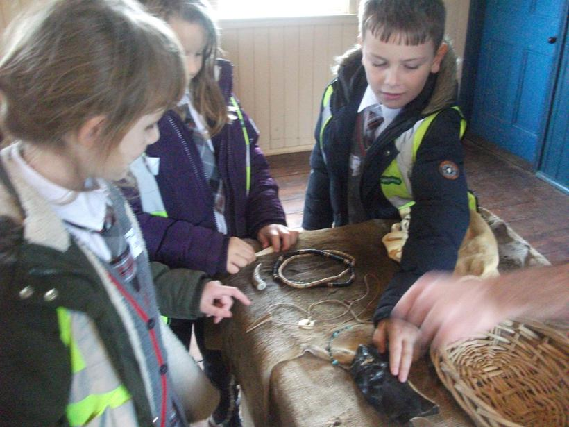 Learning about Stone Age weapons