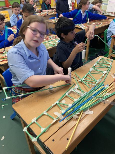 Independently making ladders and trusses