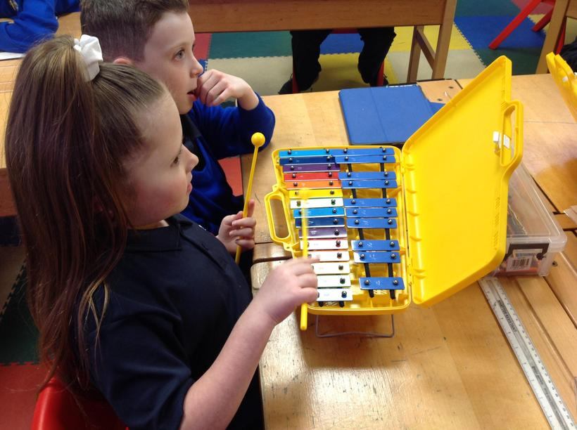 Learning to play a melody on the glockenspiel