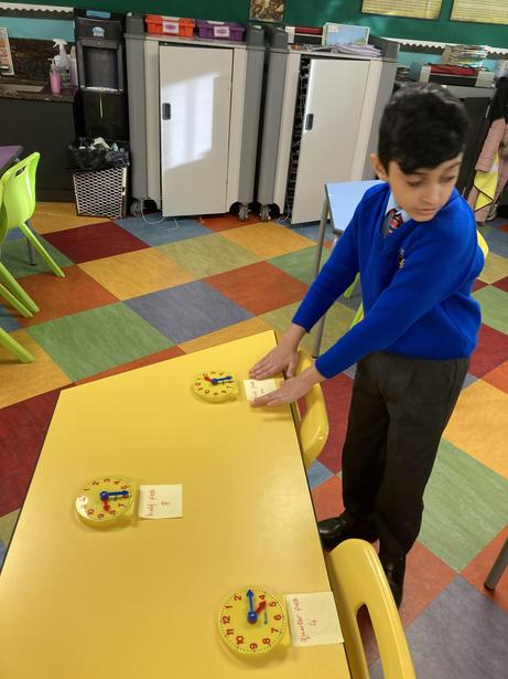 Demonstrating and understanding of time
