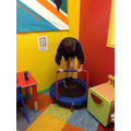 Movement break on the mini-trampette