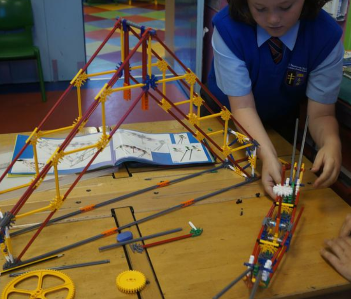 Reinforcing structures using triangles