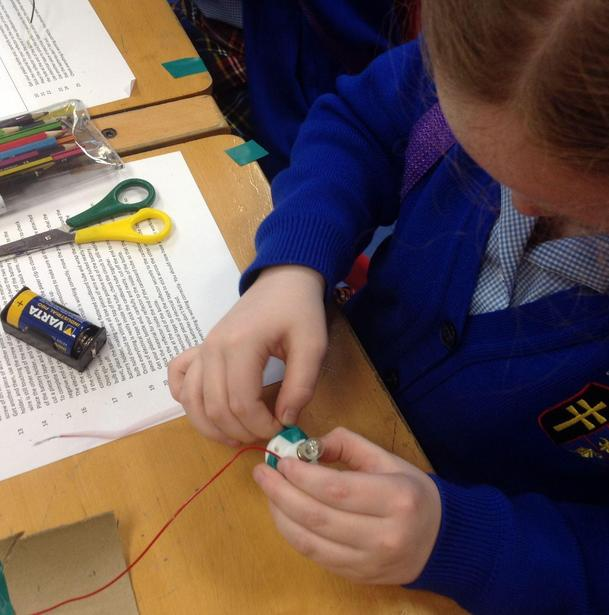 Connecting components to make a circuit