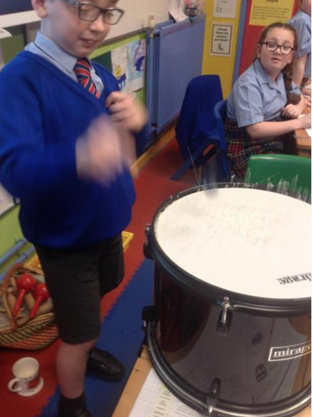 Using musical instruments to see how sound works