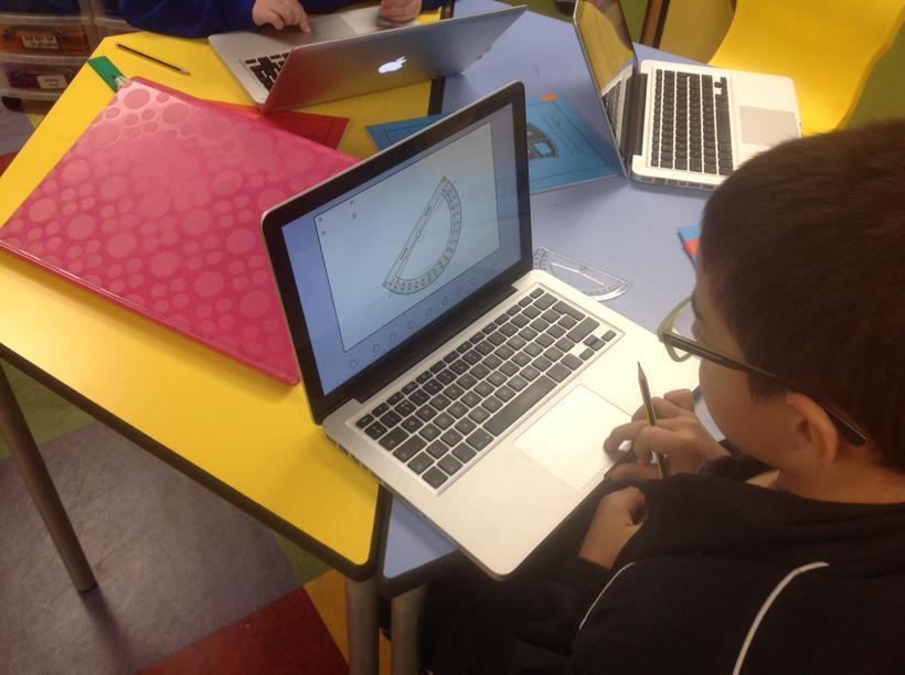 Practising measuring angles online