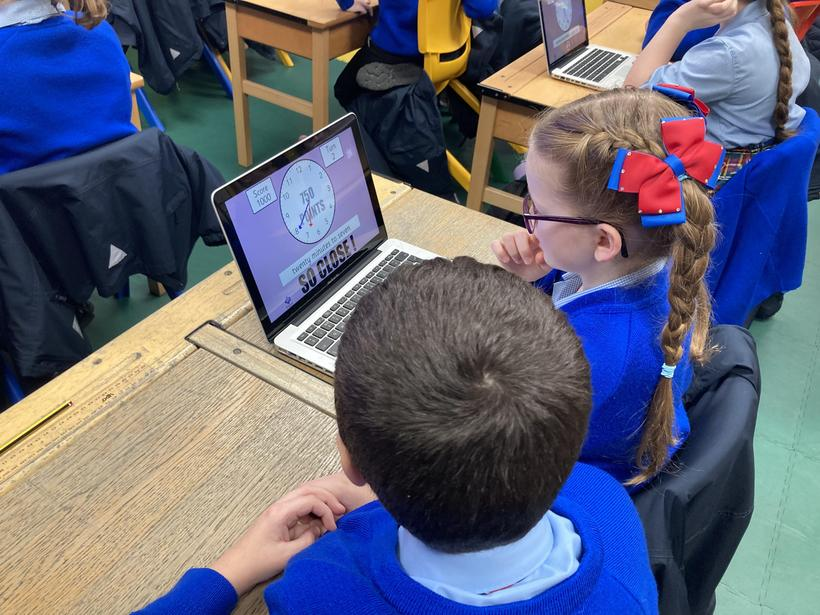 Telling the time using online resources