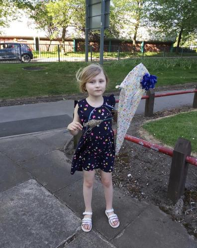 Eve made a kite.