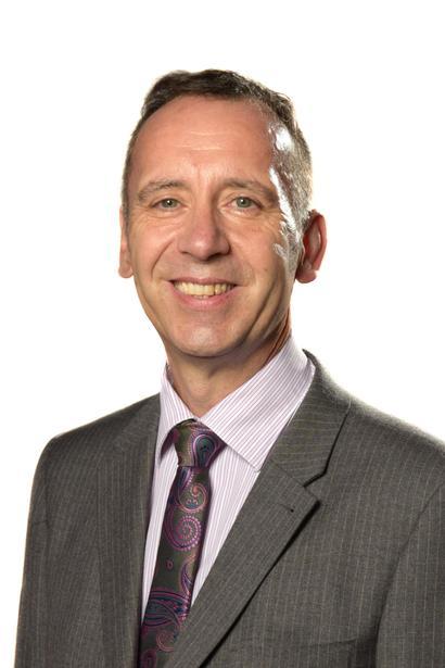 Grahame Hempsell - Class 8 Science Leader, EVC