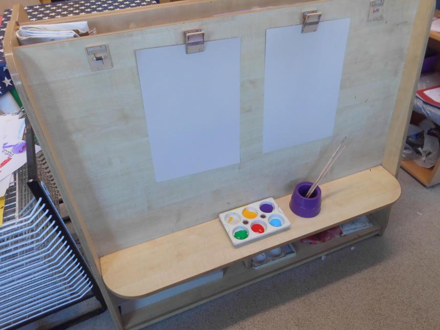 Reception painting easel