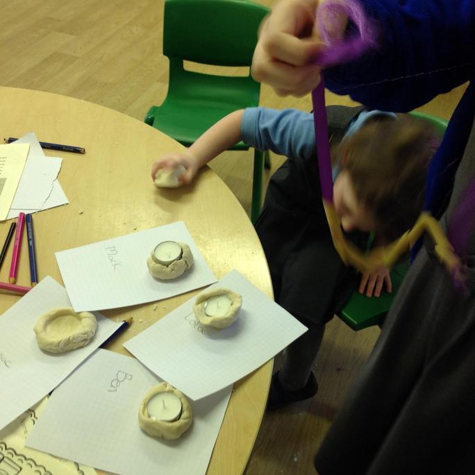 We made Diva pots.