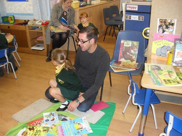 'Stay and read' in Reception class