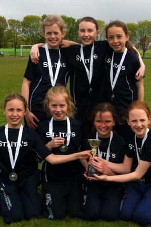 St. Ita's Girls'Cross Country - SEELB Champions 20