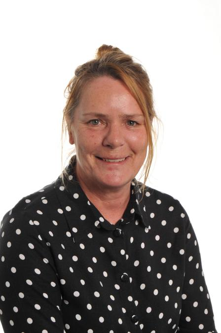 Mrs Yvonne Dawson - Midday Supervisor SEND Support