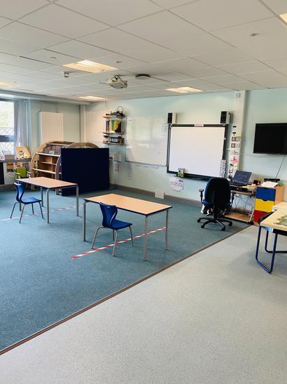 Harlech classroom & whiteboard area